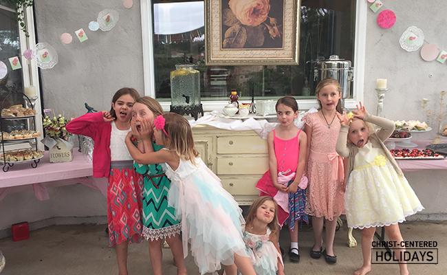 mother daughter tea | mother daughter party | mother daughter tea party idea | mother daughter tea party activities